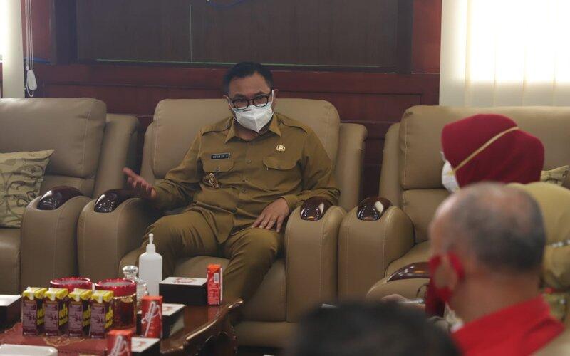 Wakil Wali Kota Malang Sofyan Edi Jarwoko beraudiensi dengan komunitas Plasma Hero di kantornya, Senin (15/2/2021). - Istimewa