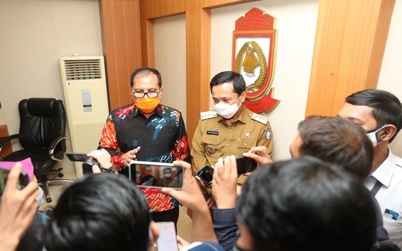 Wali Kota terpilih Moh. Ramdhan Pomanto usai melakukan pertemuan dengan Pj Wali Kota Makassar Rudy Djamaluddin, Senin (15/2/2020) - Istimewa