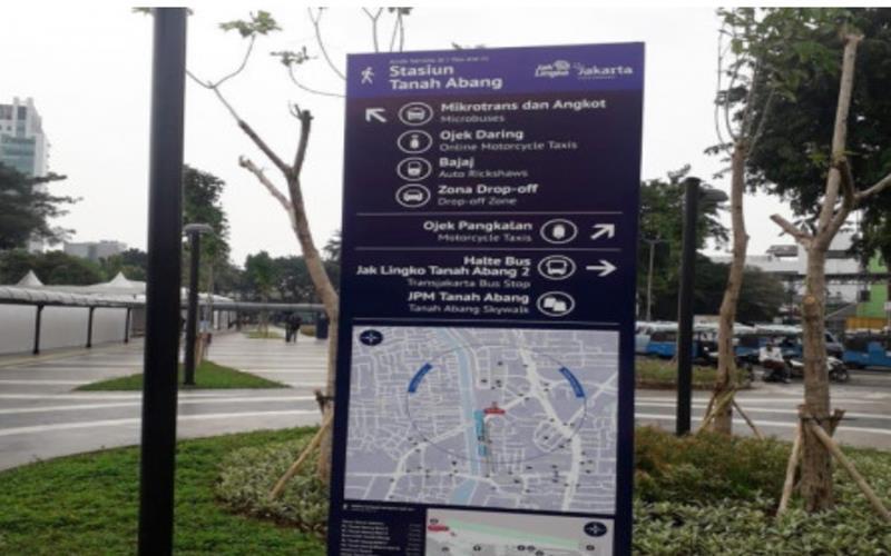 Untuk memudahkan warga menggunakan transportasi integrasi antarmoda, PT Transjakarta berkolaborasi dengan PT MRT Jakarta (Perseroda), PT Kereta Commuter Indonesia (KCI) dan Pemerintah Provinsi (Pemprov) DKI Jakarta telah melakukan penataan kawasan transit di Tanah Abang, Jakarta Pusat. - beritajakarta.id