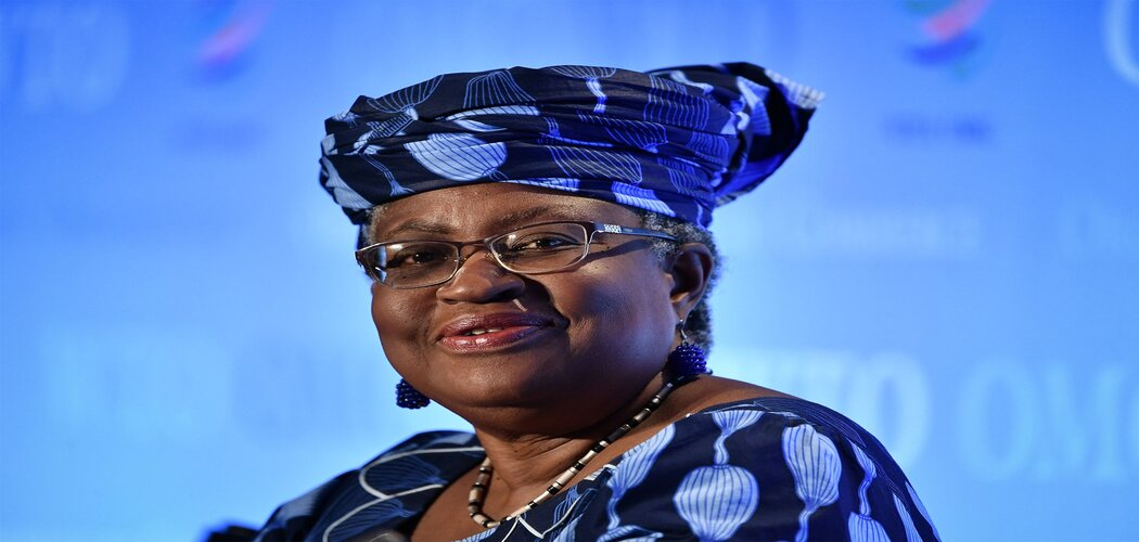 Dirjen wanita pertama di WTO Ngozi Okonjo-Iwaela - Bloomberg