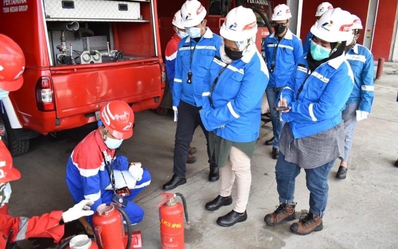 Salah satu pelatihan yang dilakukan HSE FT Medan Group