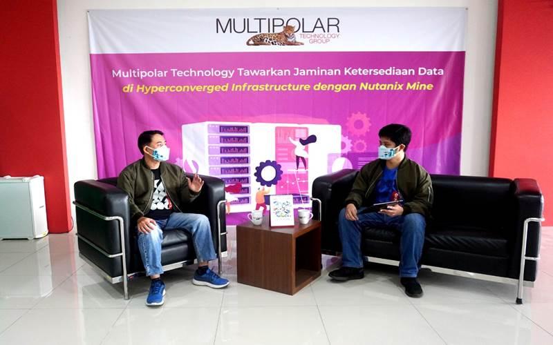 Adrian Kustiawan, Presales Server X86 Manager, PT Multipolar Technology Tbk (kanan) dan Jeffry Tjiung Sendjaja, Division Head Server, PT Multipolar Technology Tbk (kiri)