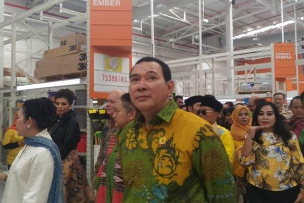 Hutomo Mandala Putra atau Tommy Soeharto kembali fokus mengembangkan Goro, yaitu bisnis di sektor retail untuk turut mendorong sektor UKM nasional berkembang. - Bisnis/Istimewa