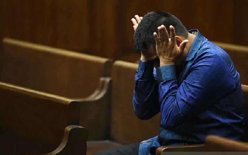 Terdakwa kasus dugaan suap di Pengadilan Negeri Jakarta Utara Rohadi menunggu dimulainya sidang lanjutan di Pengadilan Tipikor, Jakarta Pusat, Senin (10/10/2020). Dalam sidang itu, Jaksa Penuntut Umum KPK menghadirkan lima orang saksi untuk dilakukan pemeriksaan. - Antara\r\n