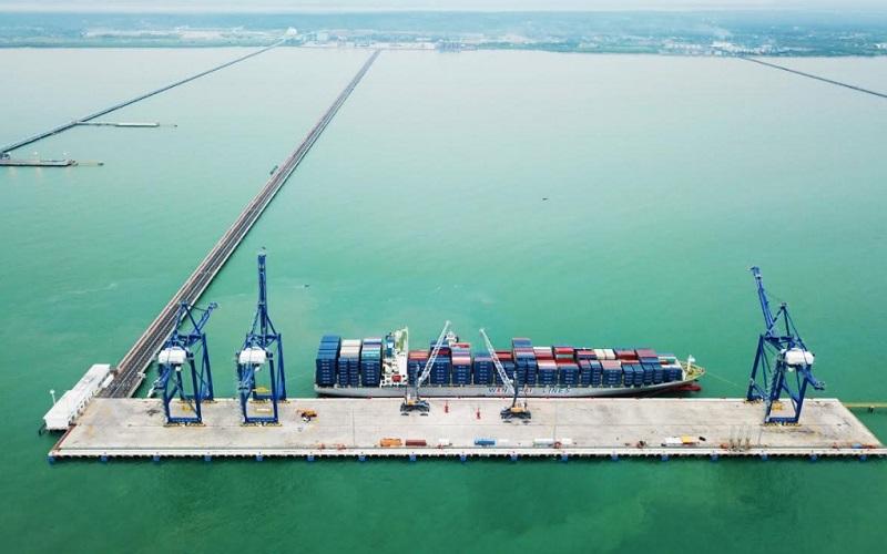 Kuala Tanjung Port and Industrial Estate (PIE) yang terletak di Kabupaten Batubara, Sumut. Kuala Tanjung PIE terdiri atas dua kawasan yang terintegrasi,  yaitu kawasan pelabuhan yaitu Kuala Tanjung Multipurpose Terminal dan kawasan industri yaitu Kuala Tanjung Industrial Zone.