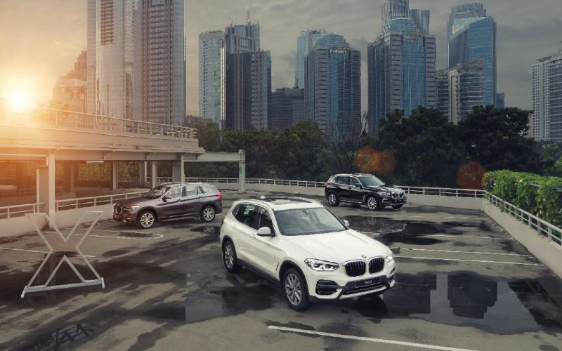 BMW X1, BMW X3, BMW X5.  - BMW