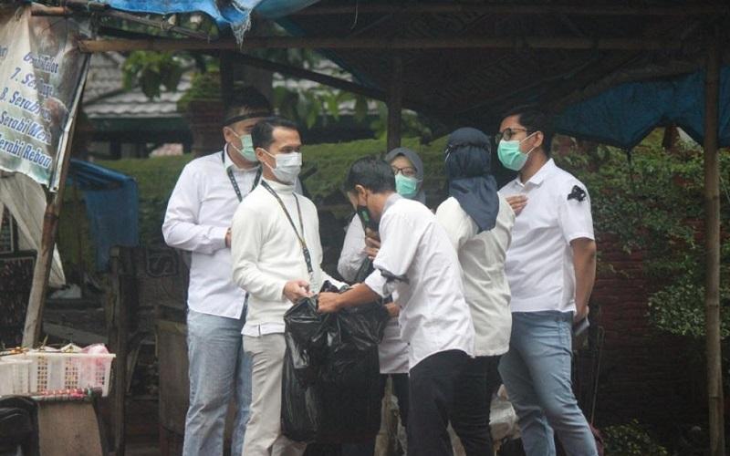 Aksi anggota serikat pekerja PT Pegadaian (Persero) Cirebon - Bisnis/Hakim Baihaqi