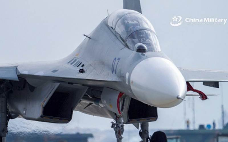 Salah satu pesawat tempur China yang menjadi bagian dari kekuatan yang dikerahkan ke Selat Taiwan./Antara - HO/ChinaMilitary