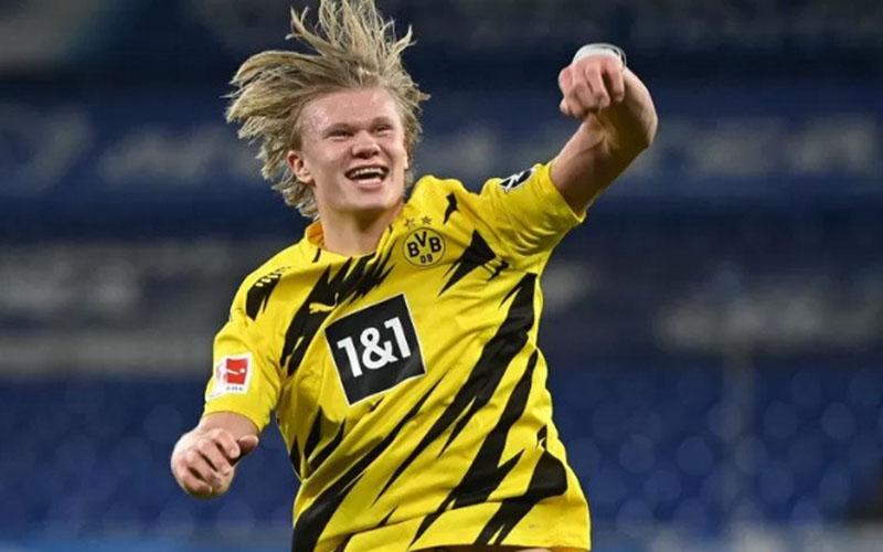 Ujung tombak Borussia Dortmund Erling Haaland selepas menjebol gawang Schalke 04./Antara - Reuters