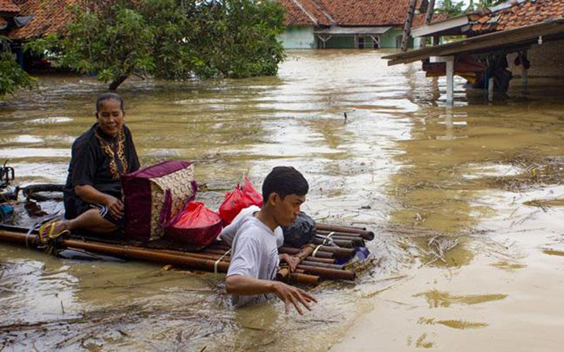 Banjir di Karawang, Jawa Barat. - Antara