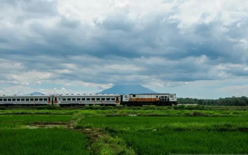 Ilustrasi: Kereta Api Rangkas Bitung-Merak.  - KAI