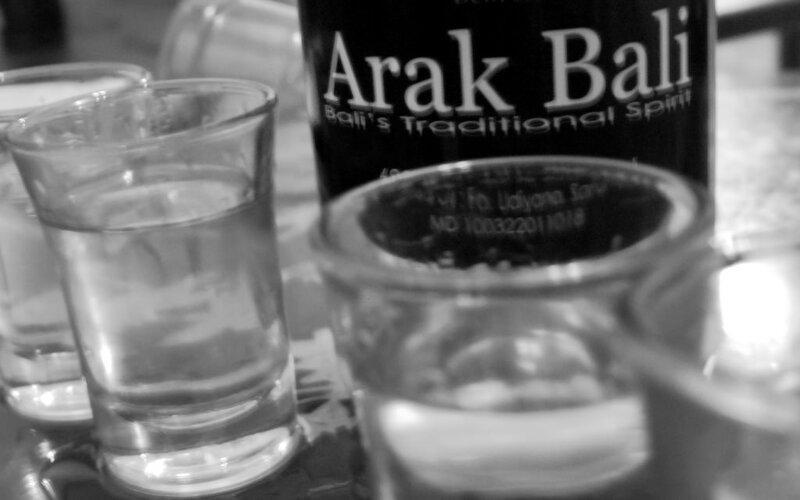 Arak Bali. - POM.go.id