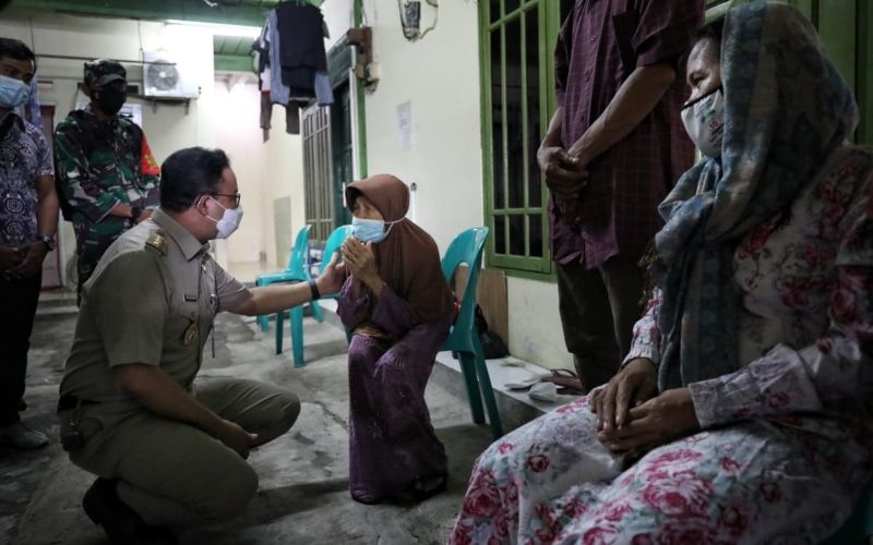 Gubernur DKI Jakarta Anies Baswedan takziah ke rumah korban meninggal banjir di wilayah Jakarta, Senin 22 Februari 2021 / Dok. Humas Pemprov DKI Jakarta