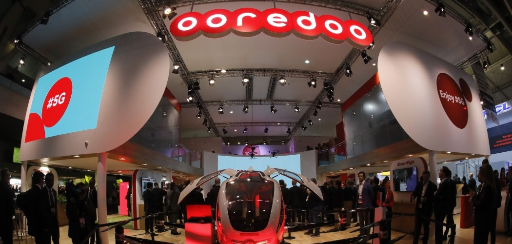Kendaraan taksi udara swakemudi berkemampuan 5G ditampilkan di Ooredoo Q.S.C. pada pembukaan MWC Barcelona di Spanyol, Senin (25/2/2019) - Bloomberg/Stefan Wermuth