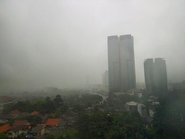 Hujan mengguyur Jakarta - Bisnis.com/Andhika Anggoro