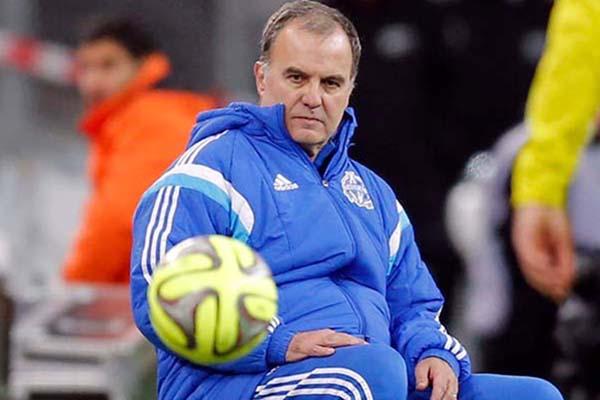 Pelatih Leeds United Marcelo Bielsa - Reuters