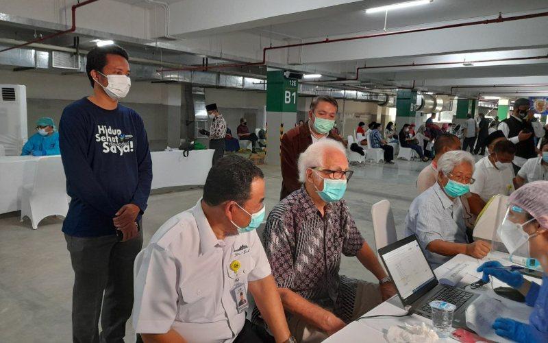 Program vaksinasi virus Corona (Covid-19) bertajuk Pekan Vaksinasi Tokoh Lintas Agama dimulai secara resmi kemarin, Selasa (23/2/2021), di Basement Masjid Istiqlal, Jakarta - Twitter/@Kemenag_RI