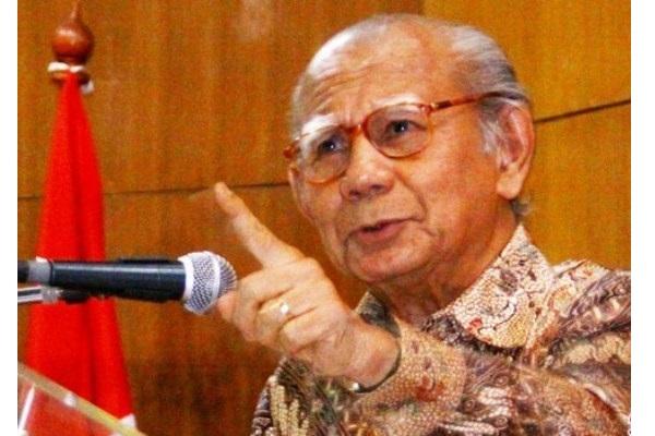 Guru Besar Emeritus Fakultas Ekonomi dan Bisnis Universitas Indonesia Emil Salim - Antara