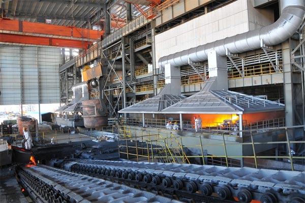 Shanghai Decent Investment (Group) Co., Ltd. bekerja sama dengan PT Bintang Delapan Investama mendirikan PT Sulawesi Mining Investment (SMI) di Indonesia pada 2009, dan mulai melakukan pengembangan terhadap tambang nikel seluas hampir 47.000 hektar di Kabupaten Morowali.  - imip