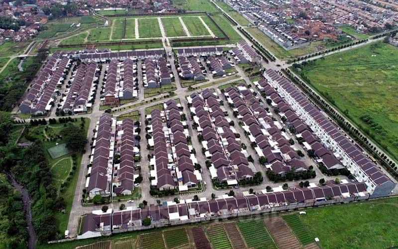 Foto udara perumahan di Margaasih, Kabupaten Bandung, Jawa Barat./Bisnis - Rachman