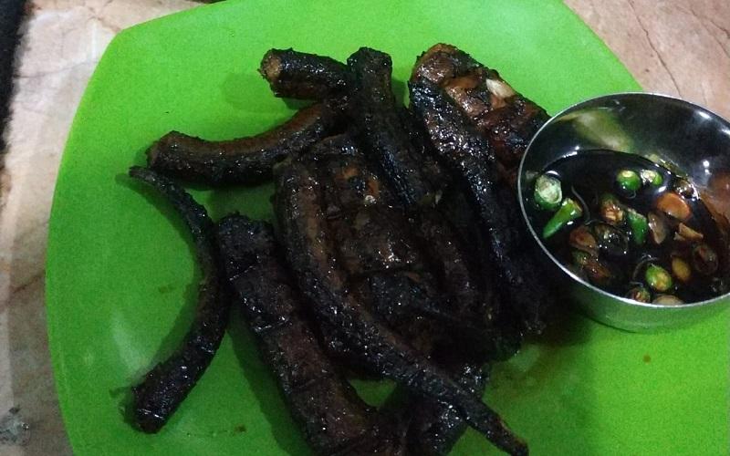 Belut cobek khas Majalengka - Bisnis/Dea Andriyawan