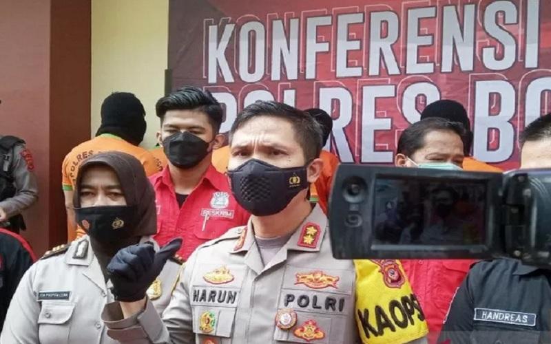 Kapolres Bogor AKBP Harun di kantornya, Cibinong, Kabupaten Bogor, Jawa Barat. - Antara
