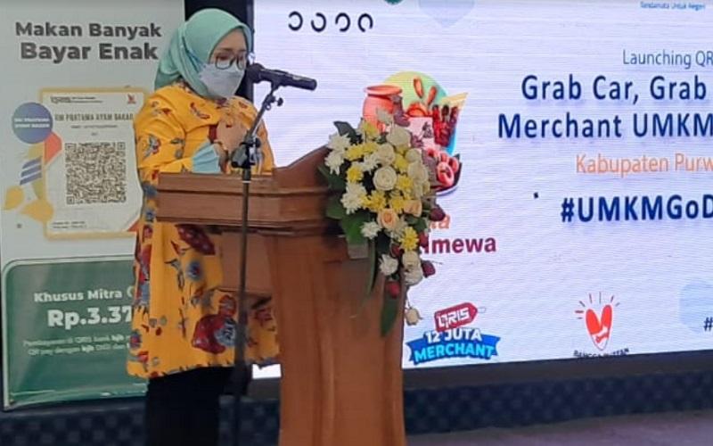 Bupati Purwakarta Anne Ratna Mustika menyambut kehadiran teknologi pembayaran QRIS DigiCash di wilayahnya - Bisnis/Asep Mulyana