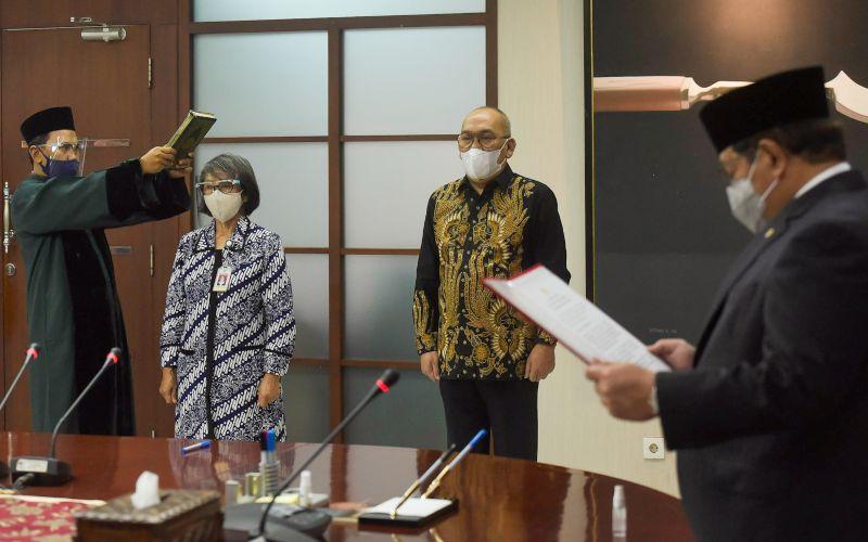 Seskab Pramono Anung melantik Fadlansyah Lubis menjadi Waseskab, di Gedung 3, Kemensetneg, Jakarta, Kamis (25/02/2021) - Dok Humas Setkab - Agung