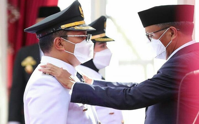 Gubernur Sulsel Nurdin Abdullah melantik Danny Pomanto dan Fatmawati Rusdi sebagai Wali Kota dan Wakil Wali Kota Makassar, Jumat (26/2/2020) - Instagram @dpramdhanpomanto