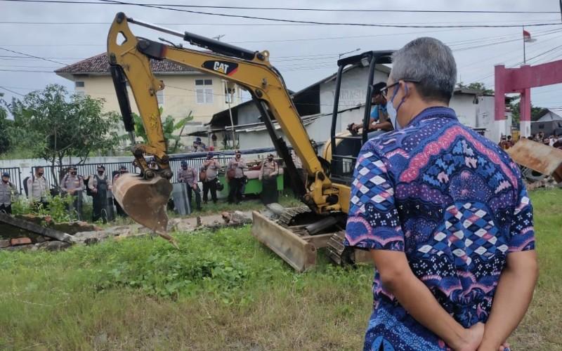 Eksekusi lahan di Jalan Jenderal Sudirman, Kota Cirebon. - Bisnis/Hakim Baihaqi