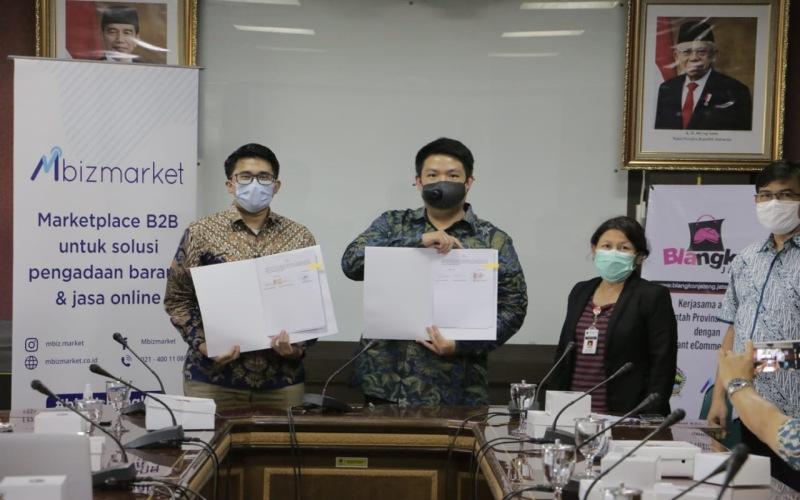 Penandatanganan nota kesepahaman kerja sama antara Pemprov Jateng Tengah dan Mbizmarket di Semarang, Jumat (26/2/2021). - Istimewa