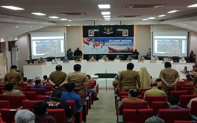 Wali Kota Makassar Danny Pomanto memimpin Rapat Koordinasi dan Pemaparan Evaluasi di Balaikota Makassar, Senin (1/3/2021) - Wahyu Susanto