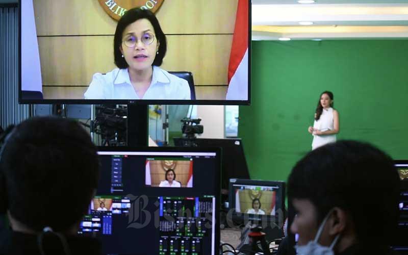 Menteri Keuangan Sri Mulyani memberikan sambutan secara virtual saat acara Bisnis Indonesia Award di Jakarta, Senin (14/12/2020). Bisnis - Abdurachman