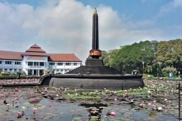 Tugu Kota Malang - Ilustrasi