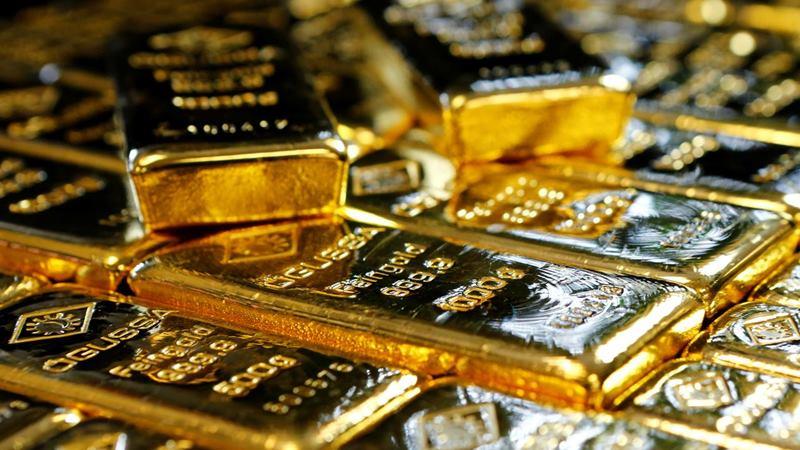 Emas batangan di Pabrik Pemisahan Emas dan Perak Austria 'Oegussa' di Wina, Austria. -  REUTERS / Leonhard Foeger