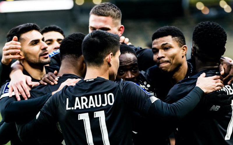Para pemain Lille, pemimpin klasemen sementara Ligue 1 Prancis. - Lille@TwitterLOSC_EN