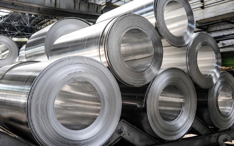 Roll forming adalah proses pengrolan dingin dengan tujuan pembentukan suatu profil baja menjadi produk akhir seperti atap gelombang, genteng metal, rangka atap, rangka plafon dan dinding.  - ARFI