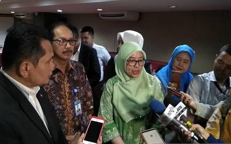 Asisten Perekonomian Pemprov DKI Jakarta Sri Haryati (tengah). - Antara