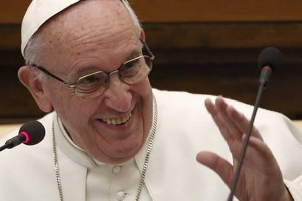 Pemimpin tertinggi umat Katolik, Paus Fransiskus - Reuters