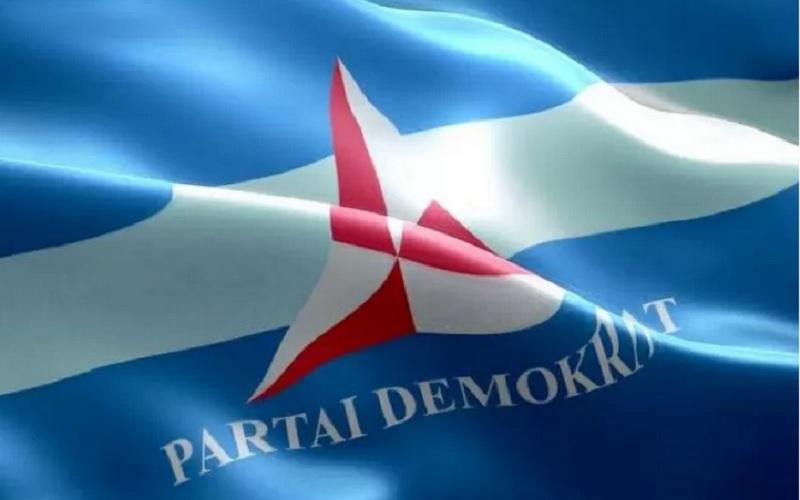 Bendera Partai Demokrat. - Antara