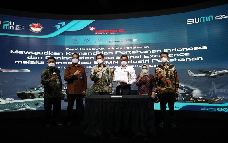 Rapat Kerja BUMN Industri Pertahanan (Indhan) 2021 yang digelar di PT Len Industri.