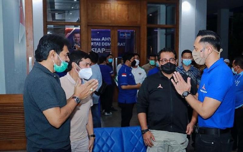 Ketua Umum Partai Demokrat Agus Harimurti Yudhoyono (AHY) menerima kunjungan Ketua Umum Partai Aceh Pak Muzakir Manaf. JIBI - Bisnis/Nancy Junita @agusyuhoyono