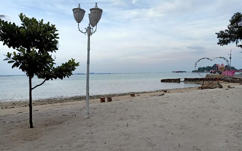 Pulau Tidung. Pantai indah dengan hamparan pasir putih.  - Sudin Parekraf Kepulauan Seribu