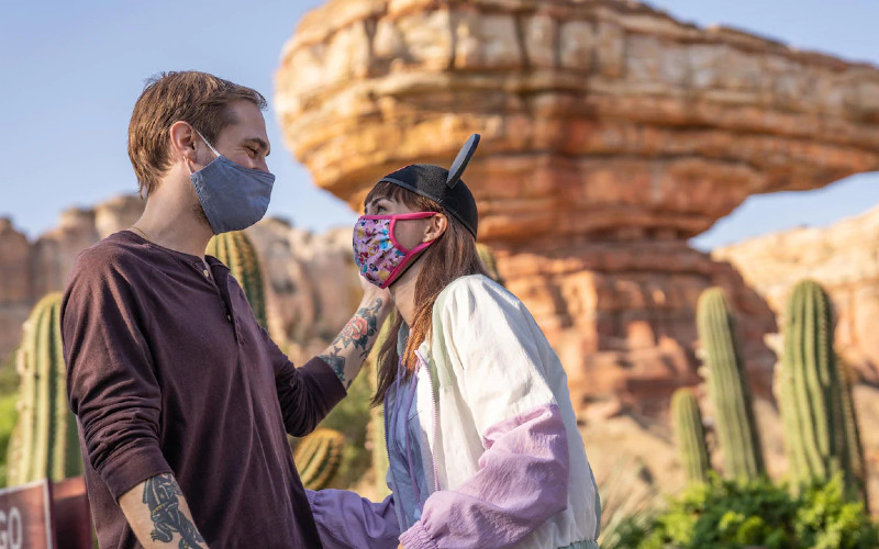 Pada pembukaan nanti, Disneyland hanya akan menerima 15 persen kunjungan dari total kunjungan di masa normal.  - Disneyland Resort