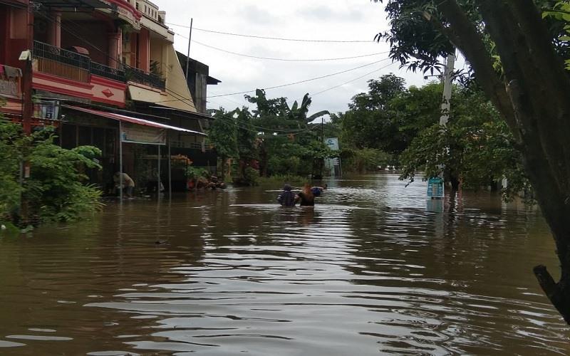 Kondisi banjir di Perumnas Antang, Kelurahan Manggala, Kecamatan Manggala, Kota Makassar, Kamis (11/3/2021). - Wahyu Susanto