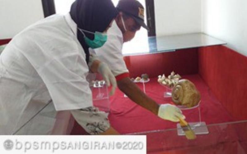 Museum Patiayam di Kabupaten Kudus. Terdapat 17 fosil fauna yang terpilih khususnya karena kelangkaan dan sangat berguna bagi pengembangan ilmu pengetahuan.  - Kemendikbud