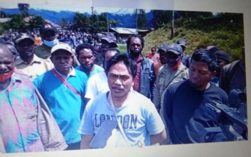 Pengusaha distributor bahan pokok di Kabupaten Intan Jaya Haji Ahmad./Antara - HO/Satgas Nemangkawi Polri\r\n