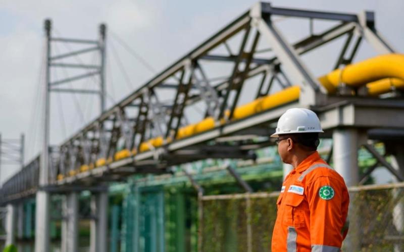 Ilustrasi: Petugas mengawasi pipa gas PT Perusahaan Gas Negara Tbk. (PGN). Istimewa - PGN