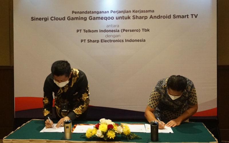 Penandatangan kerja sama antara PT Sharp Electronics Indonesia dan Telkom Indonesia hadirkan smart tv game streaming di Tanah Air . ANTARA - HO/SEID.