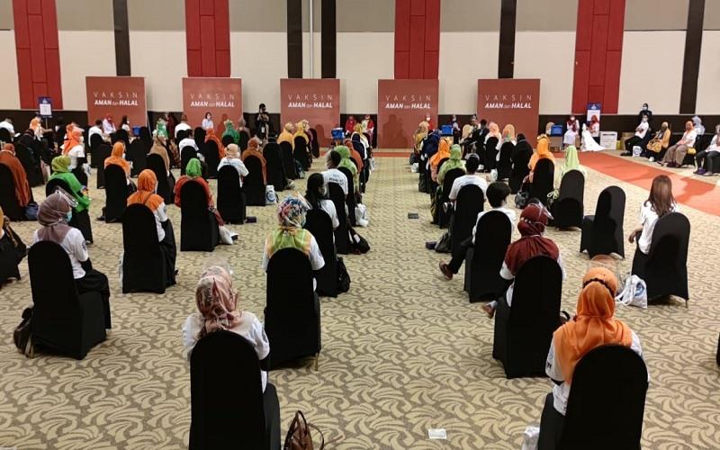Suasana vaksinasi massal di Hotel Dalton, Makassar, Kamis (18/3/2020) - Istimewa